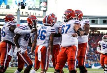 Florida football: Offensive line slowly adding depth, gelling at the right time