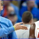 Walker's layup propels No. 17 Gators over Vols