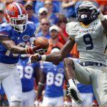 Florida CB Vernon Hargreaves III injures left knee