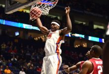 Florida center John Egbunu officially sidelined for entire 2017-18 season