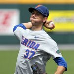 Florida baseball takes down Texas to advance in 2018 College World Series