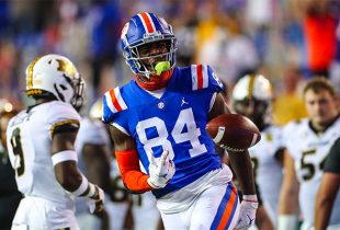 Florida TE Kyle Pitts declares for NFL Draft after all-time season, Gators star will skip bowl game